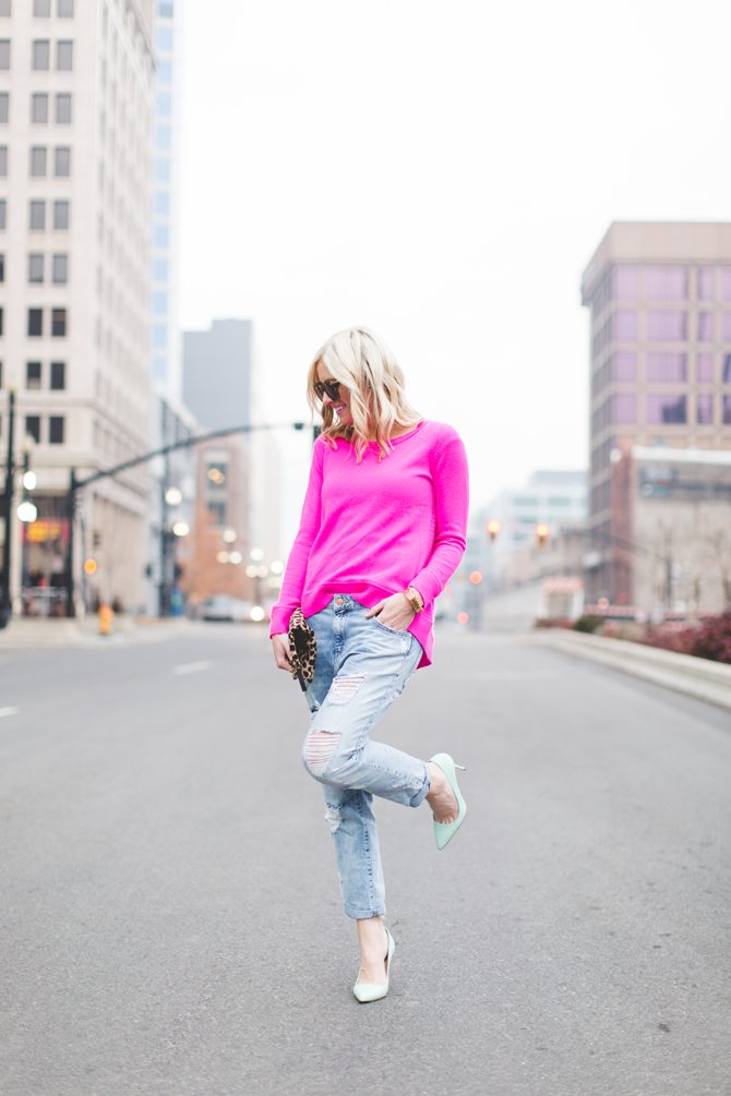 Little-Miss-Fearless_pink-DVF-sweater-leopard-clutch-1