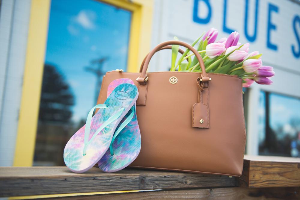 LittleMissFearless_havaianas floral flip flops6