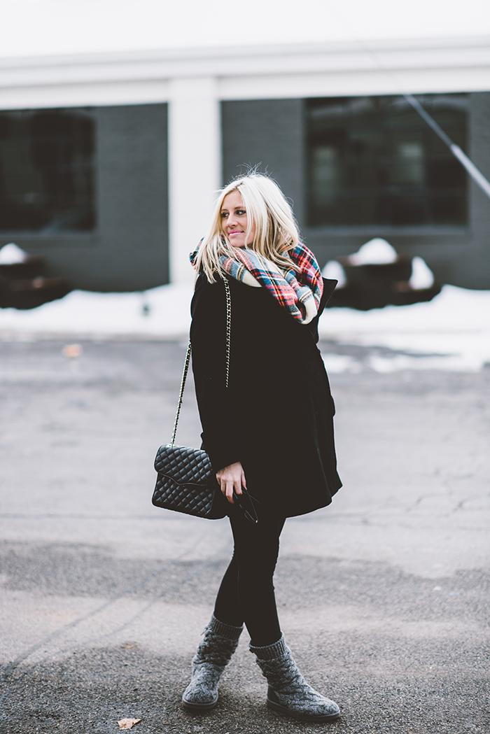LittleMissFearless_plaid-blanket-scarf-maternity-1