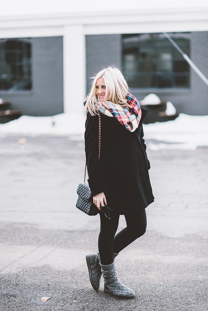 LittleMissFearless_plaid-blanket-scarf-maternity-2