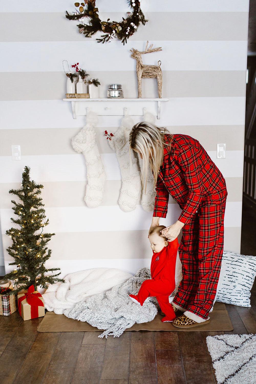 littlemissfearless_wallsneedlove_christmaswall-20