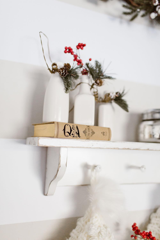 littlemissfearless_wallsneedlove_christmaswall-3