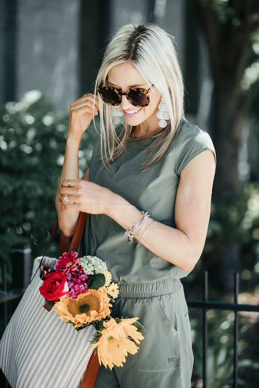 How to wear a jumpsuit 4 ways | summer outfit ideas | what to wear to a farmers market | how to style a jumpsuit | Little Miss Fearless