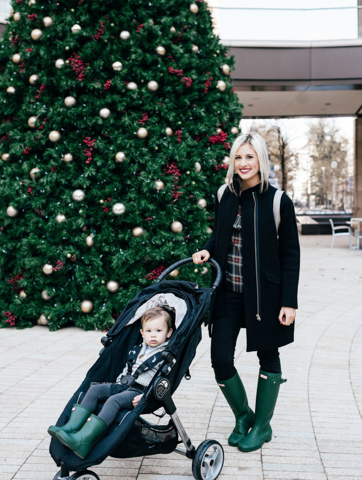 Why Christmas Shopping in the City is WAY Better Than Shopping Online | Little Miss Fearless